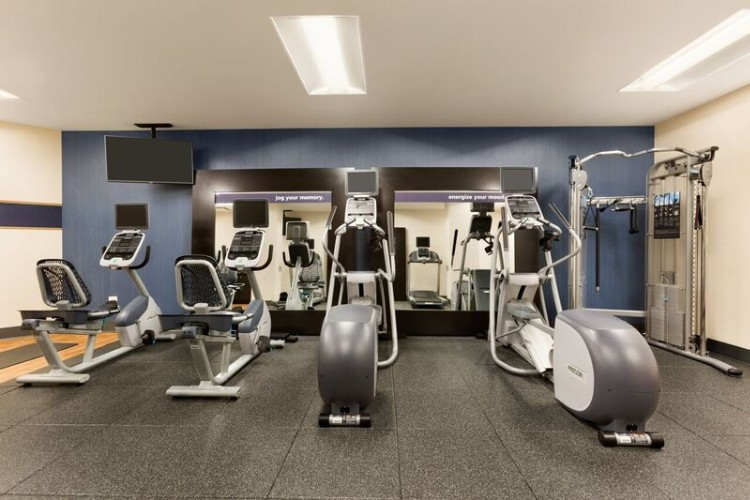 24 Hours Fitness Room 8 of 12