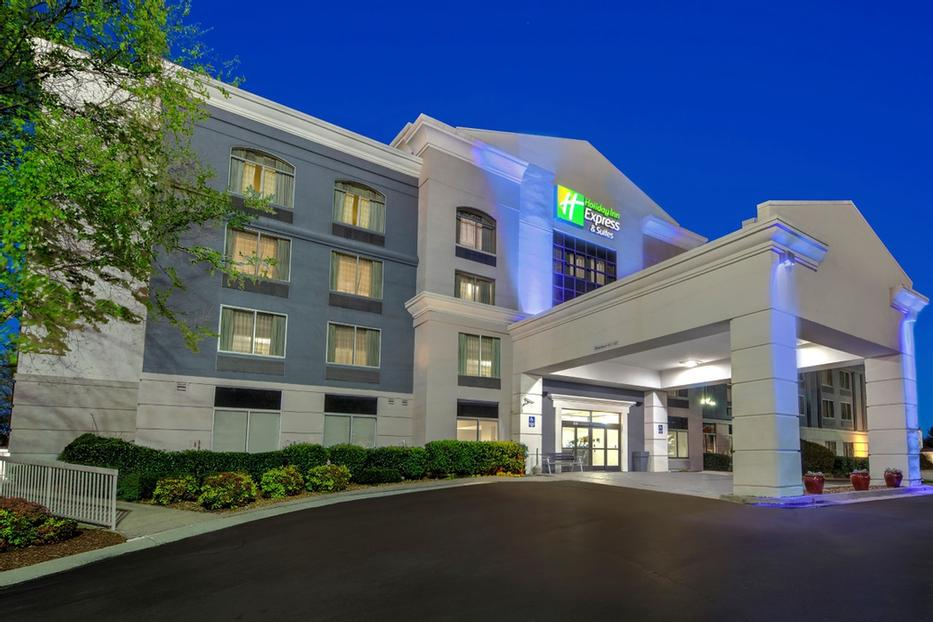 Holiday Inn Express Hotel & Suites Murfreesboro 1 of 6