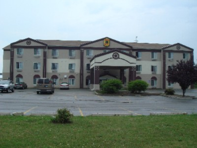 Super 8 Motel Luna Pier Mi 2 of 4