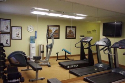 Enjoy Our Onsite Fitness Center 5 of 9