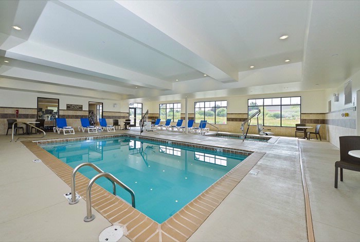 Indoor Swimming Pool 11 of 25
