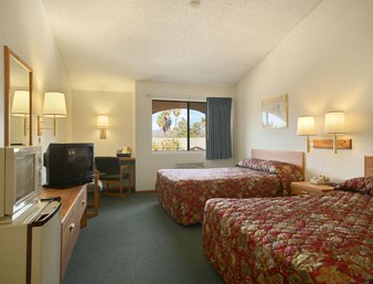 Room With 2 Double Beds 6 of 6
