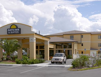 Comfort Inn & Suites Tavares / Mt. Dora 1 of 11