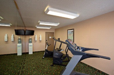 Fitness Room 6 of 16