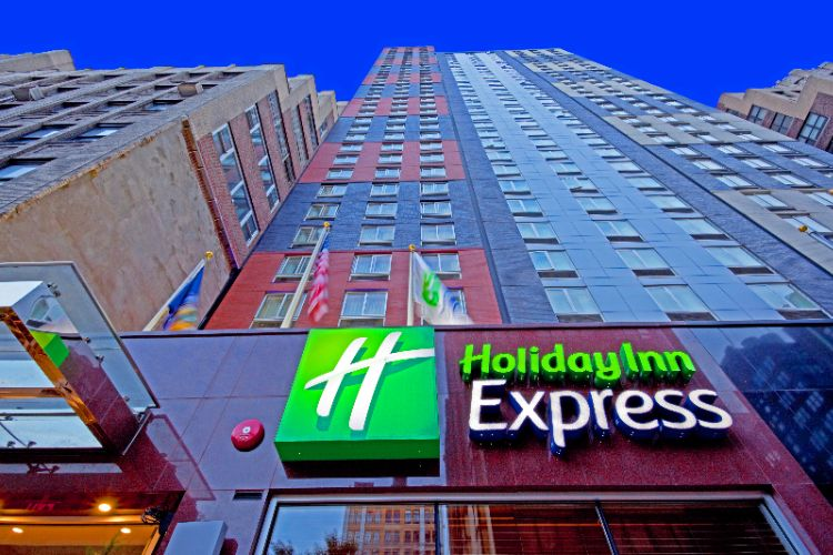 Holiday Inn Express Times Square Exterior 3 of 6