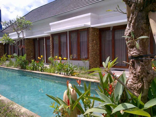 Pool Area 9 of 16
