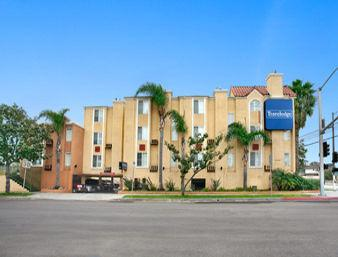 Travelodge Inn & Suites Gardena Ca 1 of 6