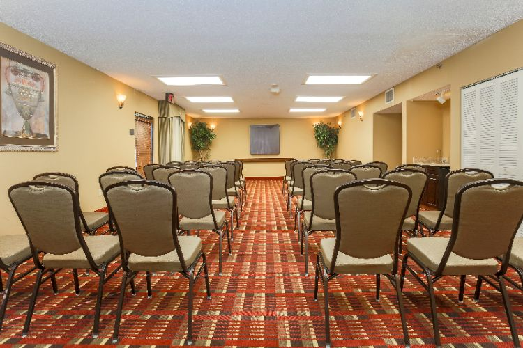 Wonderful Meeting Space Perfect For Your Next Corporate Event! 8 of 10