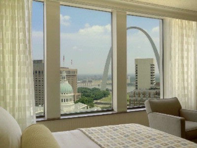 Room Overlooking Gateway Arch 16 of 24