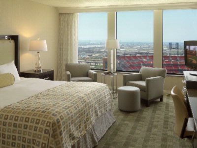 Guest Room Overlooking Busch Stadium 6 of 24