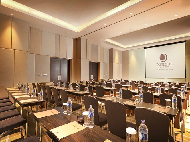 Thamrin Meeting Room 12 of 12