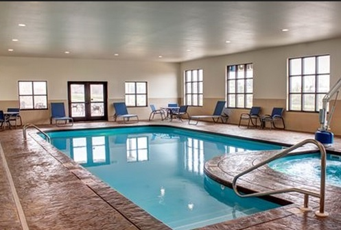 Indoor Heated Pool & Hot Tub 12 of 16