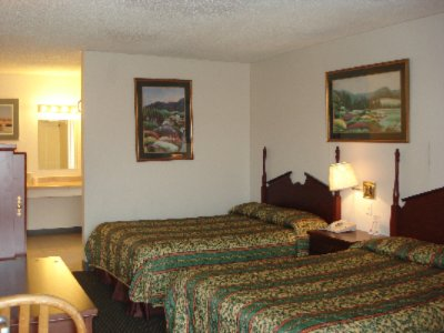 Guess Room -Double Beds 6 of 10
