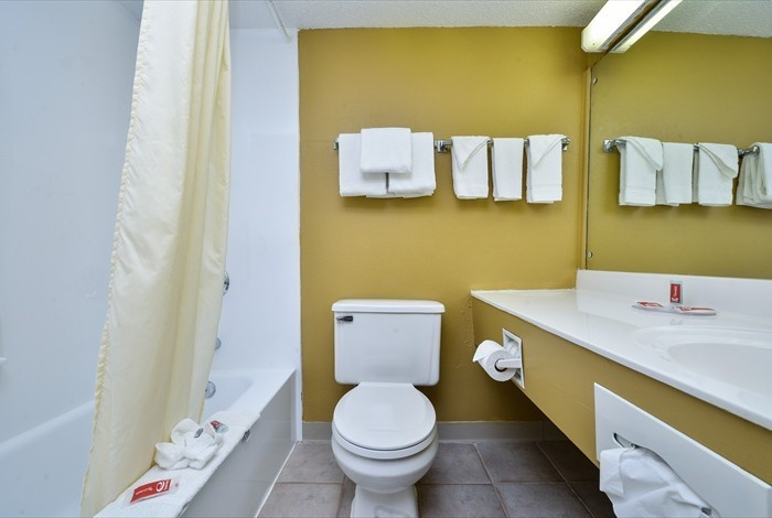 Bathroom 11 of 13