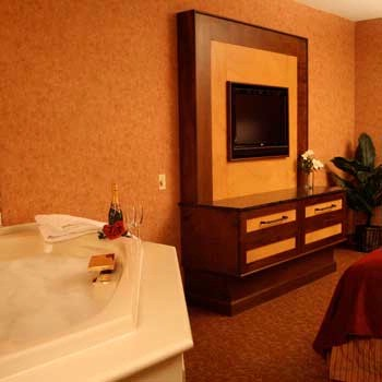 King Whirlpool Leisure Rooom 5 of 20