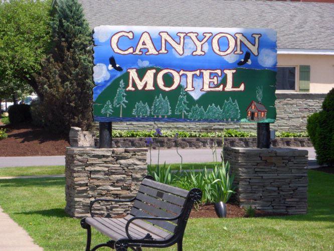 Canyon Motel 18 East Ave Wellsboro Pa 16901