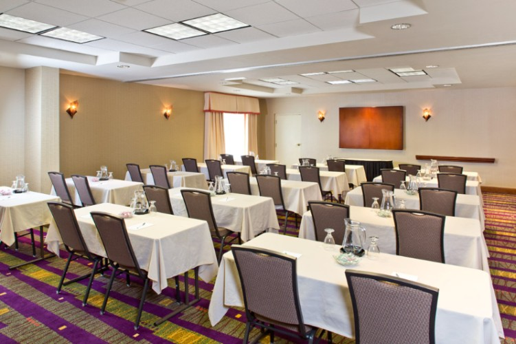 Book Your Next Meeting With Us! Arundel I Or Ii Can Accommodate Up To 14 People Classroom Or U-Shape Or 40 Theater Ideal For Smaller Meetings. 3 of 10