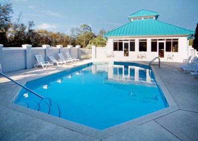 Enjoy The Florida Sunshine At Our Seasonal Outdoor Pool 7 of 24