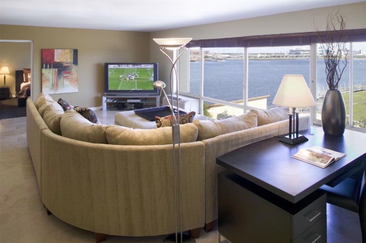Suite Amenities 13 of 30