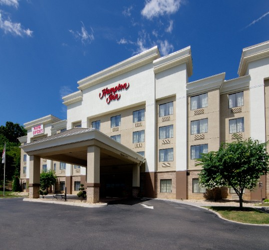 Hampton Inn Salem 1 of 8