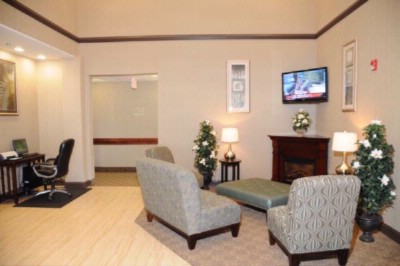 Warm And Inviting Lobby 3 of 6