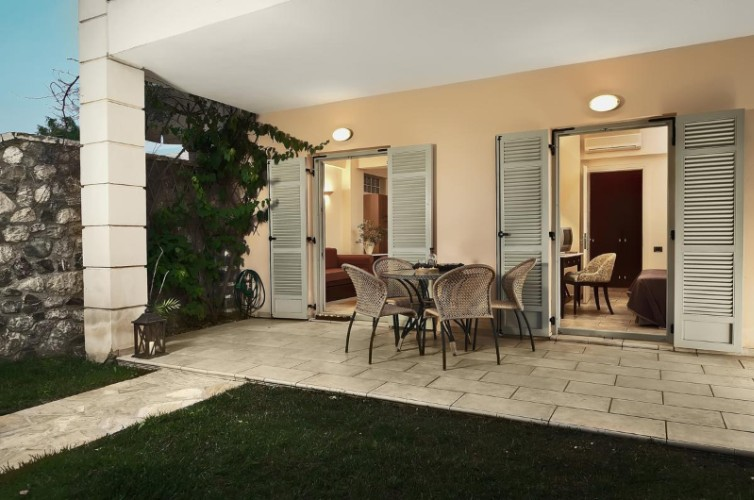 Suite Nafsika (50m²) For 2-4 Persons Private Garden 14 of 22