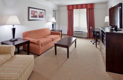 La Quinta Joplin 2 Room 1 King Suite 8 of 16