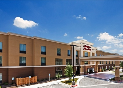 Hampton Inn & Suites Georgetown 1 of 14