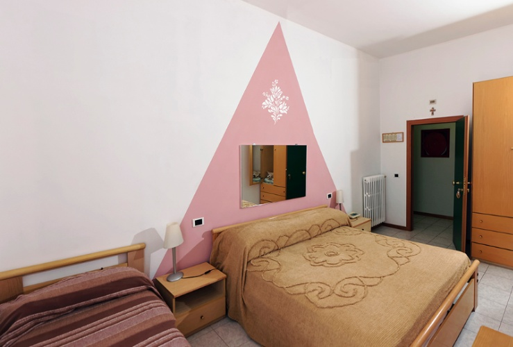 Double Room / Stanza Doppia 7 of 16