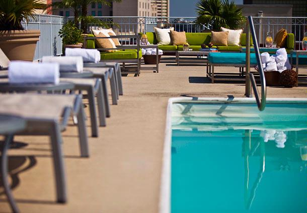 Rooftop Pool With Amazing Views 6 of 14