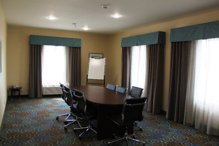 Holiday Inn Express & Suites Yorkton Boardroom 11 of 24