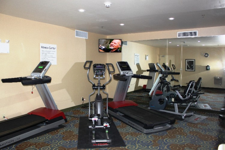 Holiday Inn Express & Suites Yorkton Fitness Center 19 of 24
