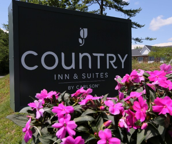Country Inns & Suites by Carlson 1 of 13