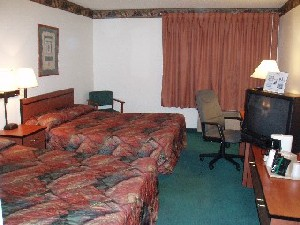 Average Room With Two Queen Beds 5 of 5