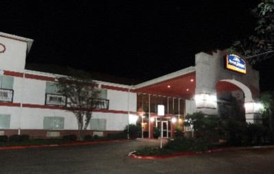 The Howard Johnson Inn & Suites 1 of 16