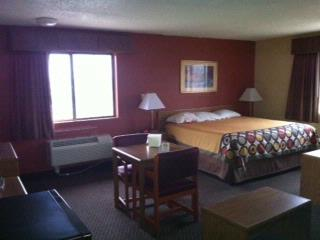 King Suite Bedroom 4 of 9