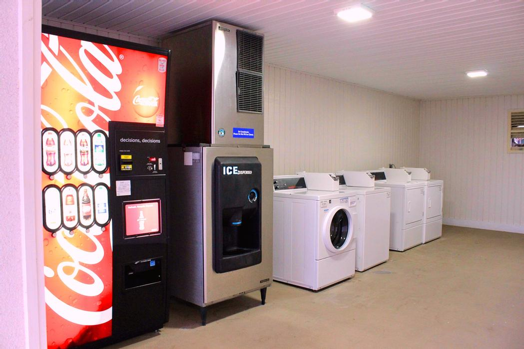 Laundry And Vending Facility 12 of 18