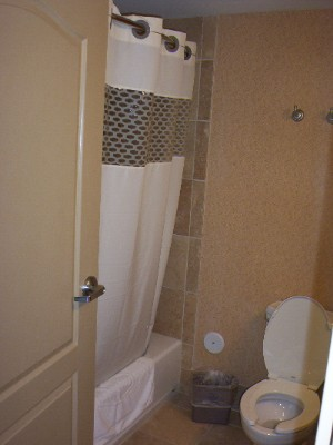 2 Queen Rooms Have Showers And Tubs 7 of 8