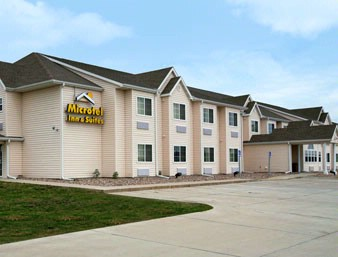 Microtel Colfax Newton 1 of 14