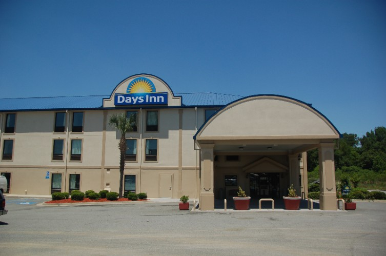 Days Inn Tifton 1 of 11