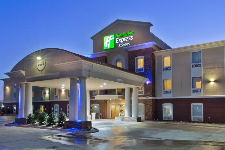 Holiday Inn Express & Suites Alvarado 1 of 15