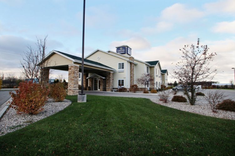 Cobblestone Inn & Suites Cambridge Ne 1 of 13