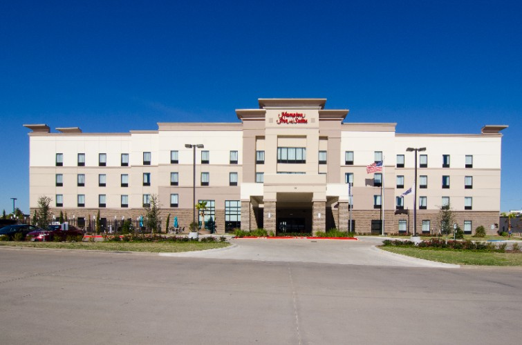 Hampton Inn & Suites Huntsville 1 of 30