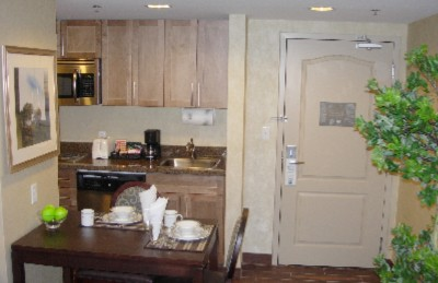 Full Kitchenette Amenities 7 of 11