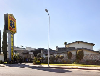 Super 8 Canoga Park 1 of 6