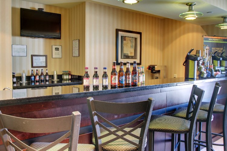 Beer And Wine Bar 5 of 22