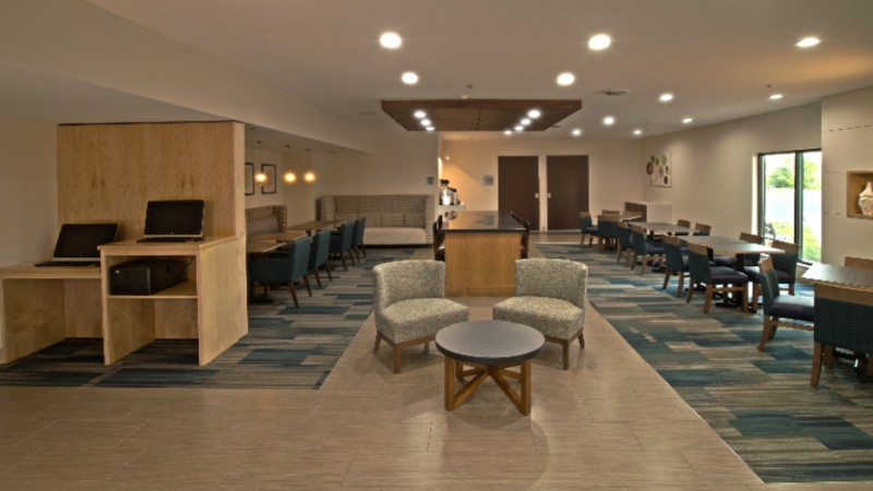 Business Center/ Lobby 4 of 13