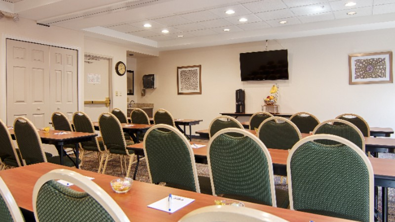 Meeting Room 8 of 11