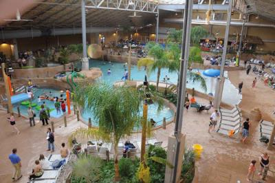 H20ooohh!! Indoor Waterpark 12 of 16