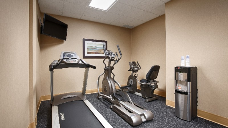 Fitness Room 13 of 21